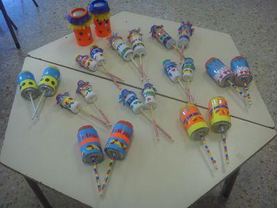 instrumentos musicales reciclados maracas